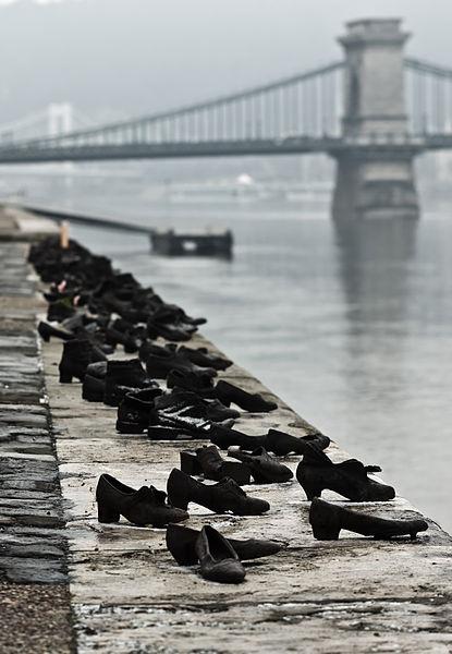 Nikodem Nijaki's photo of shoes on the Danube Promenade