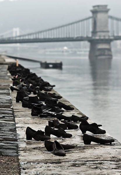 Nikodem Nijaki's photo of shoes on the Danube Promenade