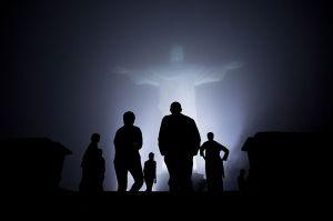 800px-Obama_family_in_mist_in_Rio_de_Janeiro